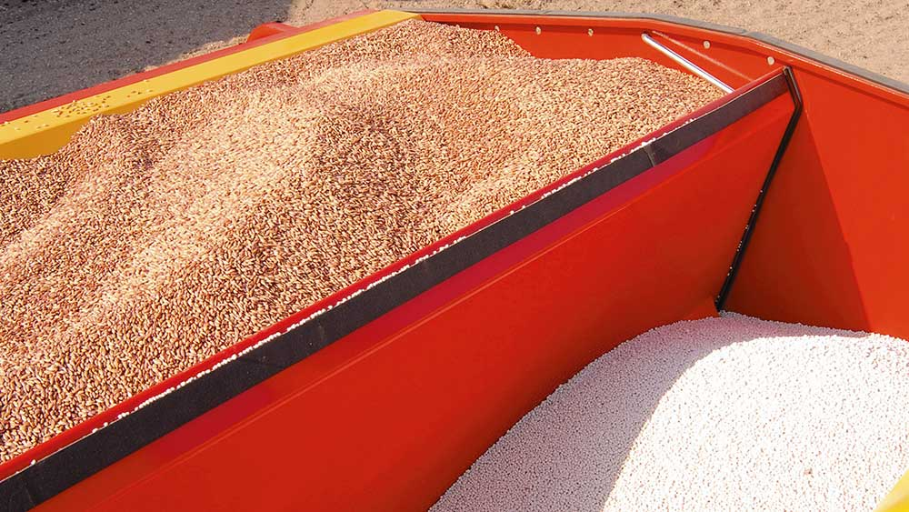 Rapid seed drill large hopper equals high capacity