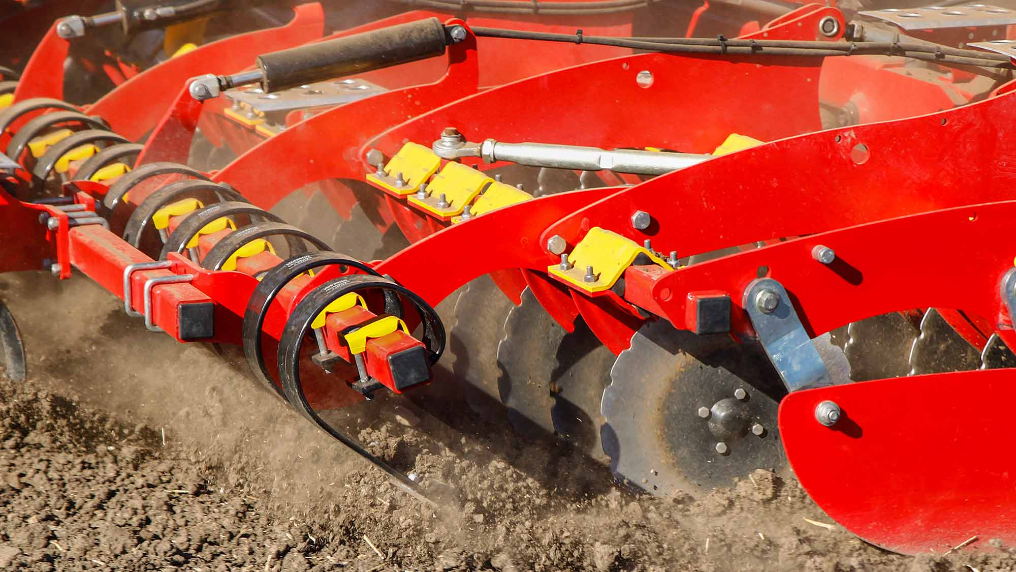Väderstad Seed drill spirit front tools in field