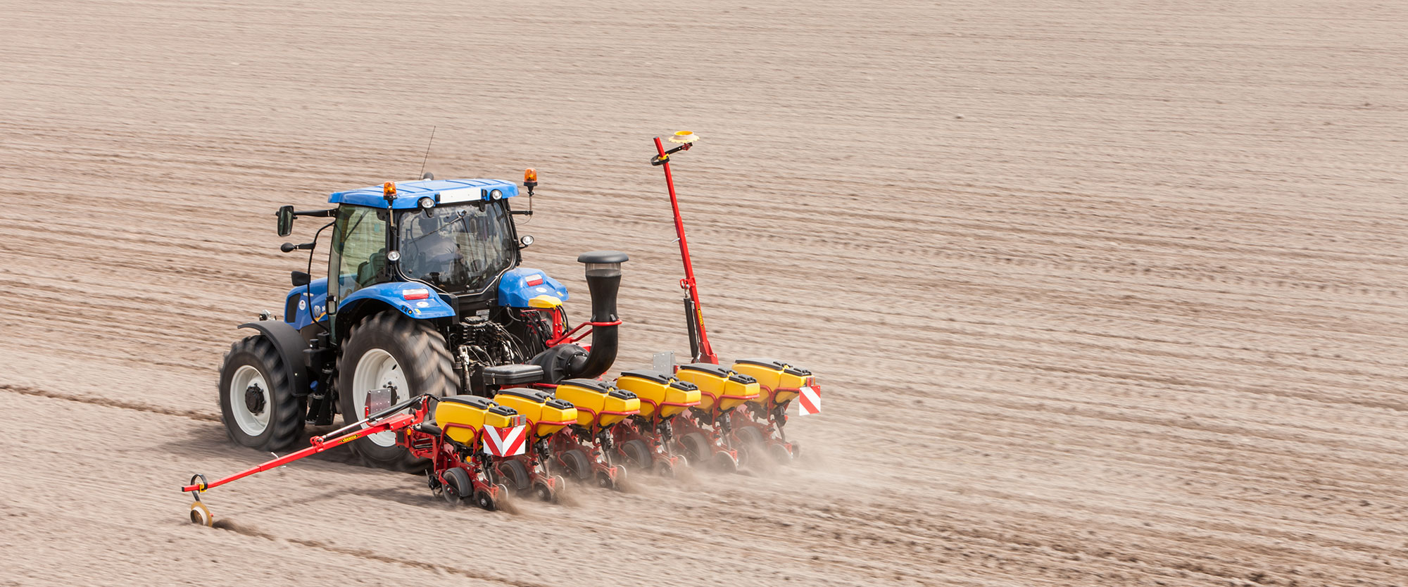 Väderstad Tempo T 6 rows in field