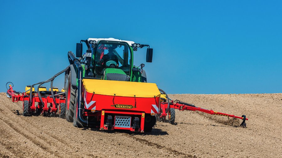 Väderstad FH 2200 offers high capacity fertilising metering
